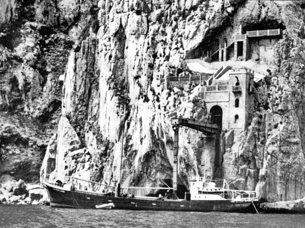 Porto Flavia- Piroscafo Antonio Landi - Courtesy ASM (Archivio storico Minerario, collezione digitale)
