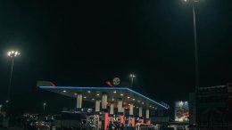 HP petrol station at night. Photo credit: Pikist.com