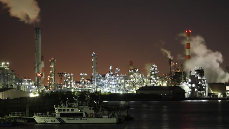 Tokyo harbour at night. Photo credit: mrhayata (flickr.com)